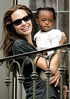 Анджелина Джоли не отдаст дочку