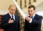 Медведев предложил Путину стать вторым после него