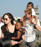 Анджелина Джоли и Брэд Питт: усыновление продолжается