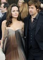 Джоли ждет двойню?