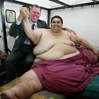 Самого толстого человека планеты спасает диета