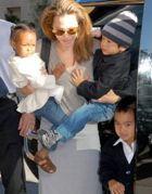 Джоли и Питт: «Каждое пополнение нас сближает»