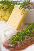 Селёдочка, картошечка, да с лучком – вкусно! И полезно