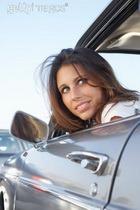 Женщины за рулём рискуют повредить позвоночник