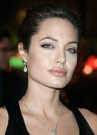 Анджелина Джоли рассказывает о своих родах и детях