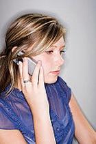 Стресс и нарушение сна – последствия болтовни по мобильнику