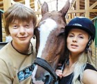 Прелести Анны Семенович действуют возбуждающе даже на лошадей!