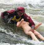 Тюмень – место плавания на резиновых женщинах