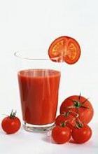 Гипертоникам поможет томатный сок и отказ от соли
