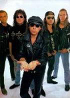 Scorpions споют для милиционеров