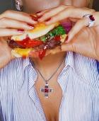 Мозг страдает от жирной пищи