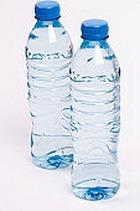 Вода в пластиковых бутылках ничем не лучше водопроводной