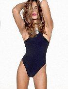 Нестареющая Синди Кроуфорд на обложке декабрьского журнала «Vogue»
