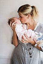 Голландская семья купила новорожденного в Интернете