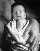 Первый генетически моделированный ребёнок вскоре появится на свет