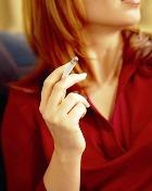 Женщинам сложнее бросить курить!