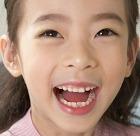 В Китае живёт девочка, которая смеётся 12 лет подряд