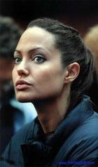 Анджелина Джоли: за ребенком – в Армению