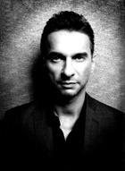 Лидер Depeche Mode перенес сложную операцию