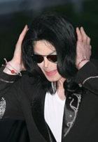 Майкла Джексона вновь тащат в суд