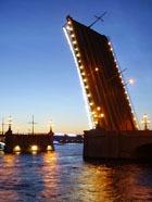 В Петербурге запретят ночные экскурсии по Неве