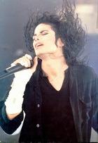 Зачем потребовалось повторное вскрытие тела Майкла Джексона?