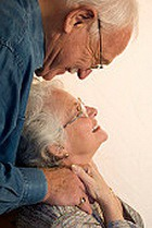 Одиночество в среднем возрасте имеет медицинские противопоказания