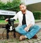 Немецкий гражданин покусал собственную собаку