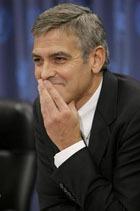 Фанат публично разделся донага и признался в любви Джорджу Клуни