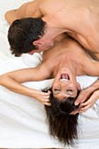 Лицезрение обнаженной женской груди продлевает мужчинам жизнь