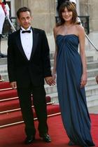 Карла Бруни не хочет, чтобы ее муж-президент снова баллотировался