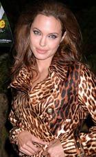 Анджелина Джоли стала красавицей десятилетия