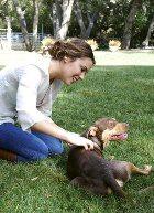 Алиса Милано – крёстная мама собаки-инвалида