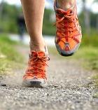 Ходить на каблуках вредно. Бегать в кроссовках ещё вредней