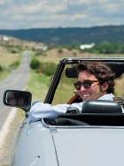 Мужская привлекательность зависит от наличия дорогого автомобиля