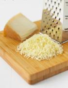 Тертый сыр полезнее нарезанного кубиками