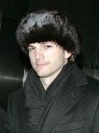 Эштон Катчер приехал в Россию