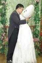 Кореец сыграл свадьбу с подушкой
