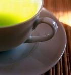 Зелёный чай полезнее, если в него добавлен сахар