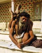 Индийский йог более 65 лет не ест и не пьет