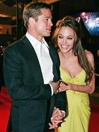 Джоли попросила Питта жениться на ней