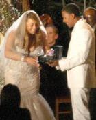 Зачем Мэрайя Кэри каждый год выходит замуж?