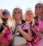 В Риге чествуют блондинок