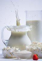 Коровье молоко: детям до года пить нельзя!