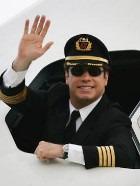 Джон Траволта приобрёл ещё один самолёт