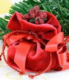 Любовницы получают более дорогие подарки, чем жены