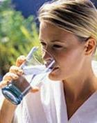 Питье воды не избавляет от появления морщин