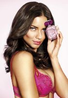 День Валентина вместе с парфюмом марки Victoria''s Secret