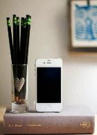 iPhone зарядит… книга