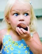 Составлен список вредных для детей продуктов